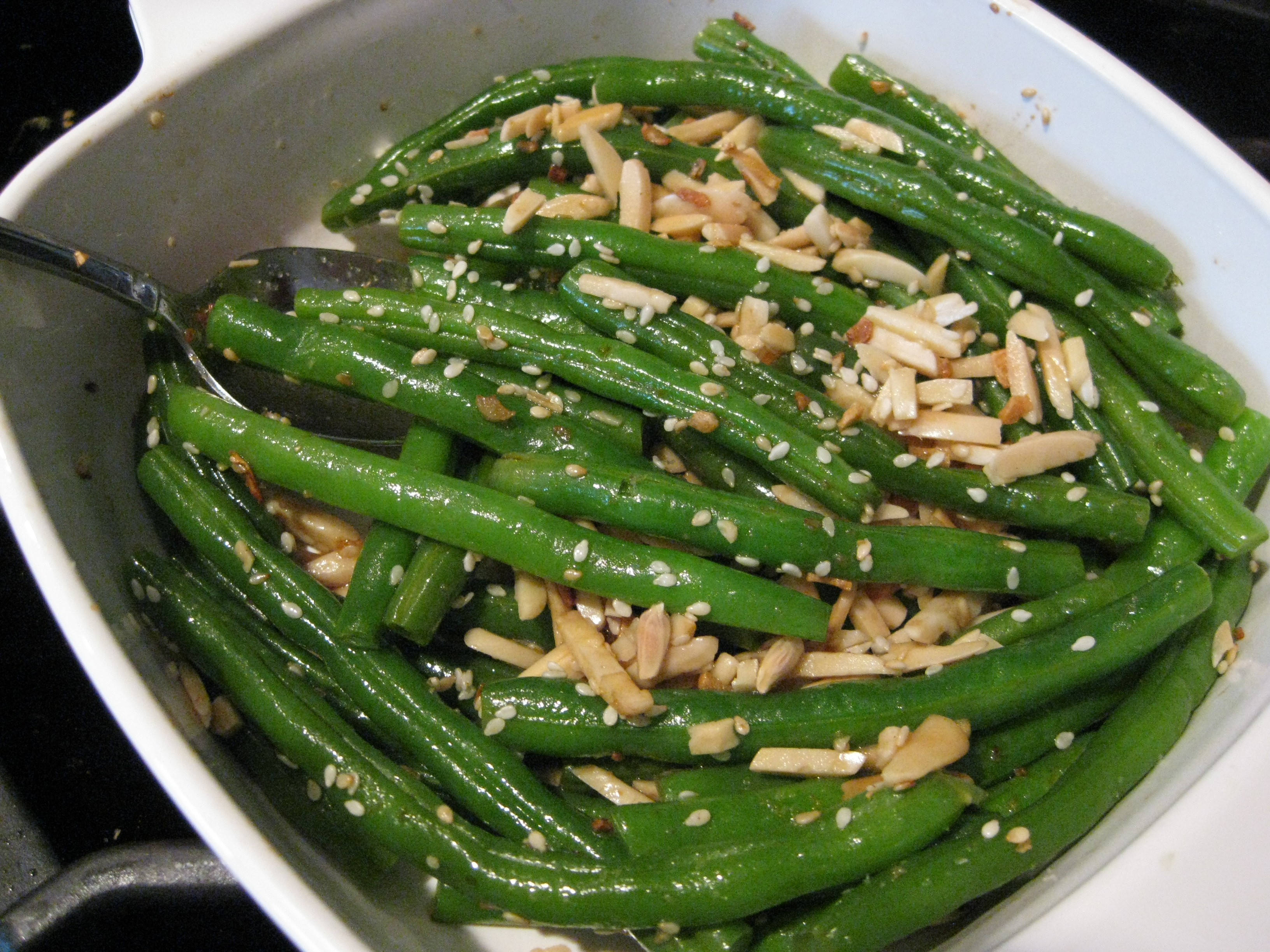 Almond Sesame Ginger Green Beans | Pragmatic Attic